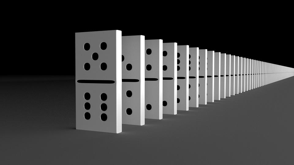 Les Allemands ont établi de nouveaux records du monde en réaction en chaîne par dominos