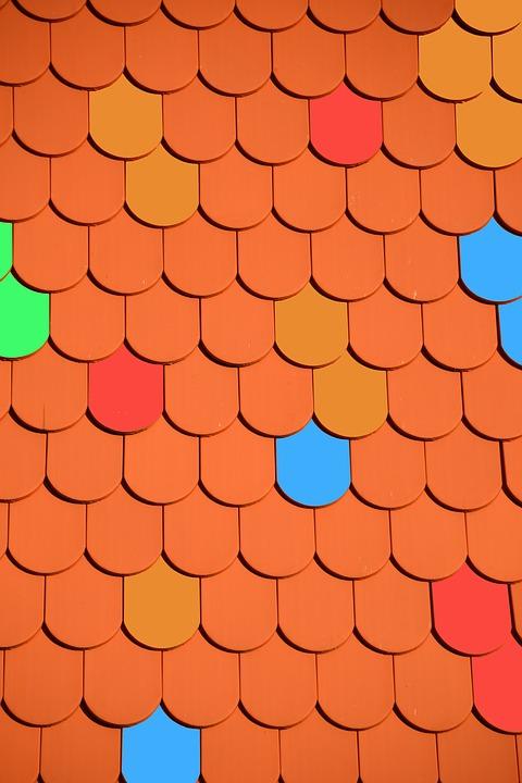 Une montage lucarne de toit